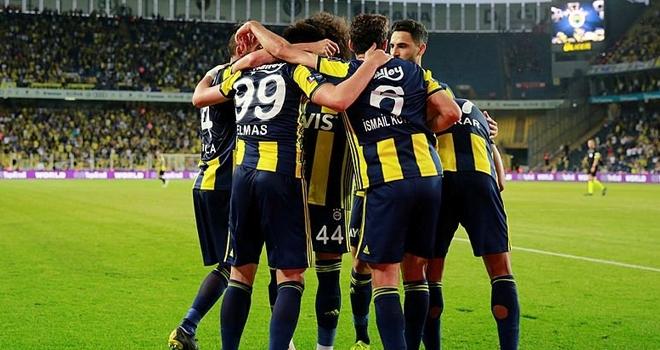 Fenerbahçe'de 8 Futbolcu İle Yollar Ayrılıyor