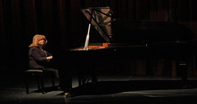 İdil Biret Samsun'da 100. yıl Konseri verdi