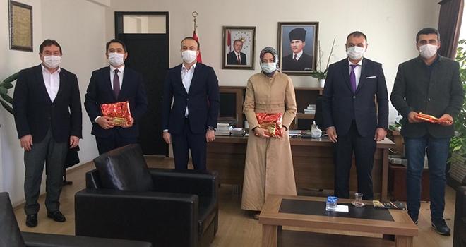 Başkan Akgül'denöğretmenlere altın