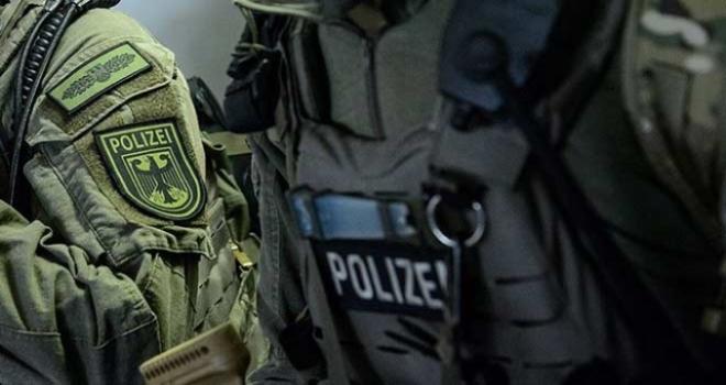 Almanya'da müslümanlara terörist muamelesi