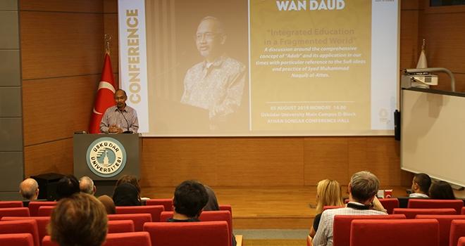 Prof. Dr. Wan Mohd Nor Wan Daud'dan Konferans
