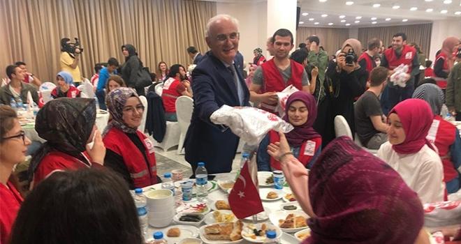 'Türk Kızılayı gönülleri kazandı ve dua aldı'