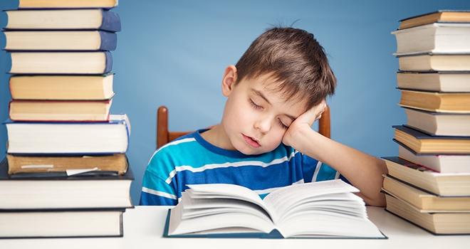 Okul Stresi Uyurgezerliğe Davetiye Çıkarıyor