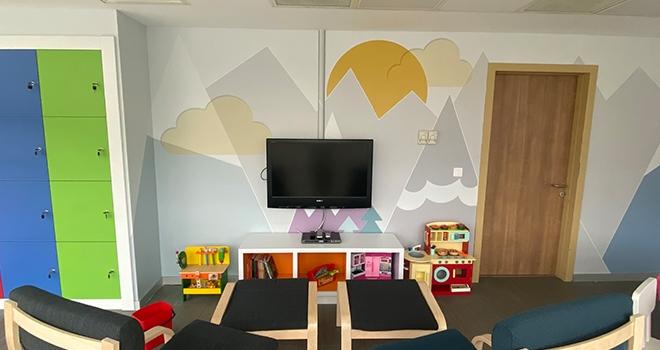 Sarıyer Hamidiye Etfal Eğitim ve Araştırma Hastanesi KAÇUV ile Oyun Odasına Kavuştu
