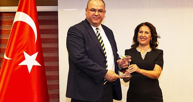 Eminevim'e İstihdam ve Ekonomiye Katkı Ödülü