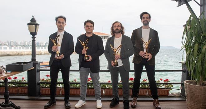 Altın Kelebek'te En İyi Müzik Grubu Ödülü Yüzyüzeyken Konuşuruz'un